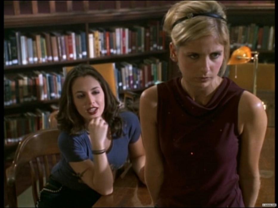Buffy y Faith, del amor al odio no hay más que un paso. Mucho antes del Spike/Buffy.